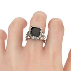 Jeulia Vintage Princess Cut Sterling Silver Skull Ring