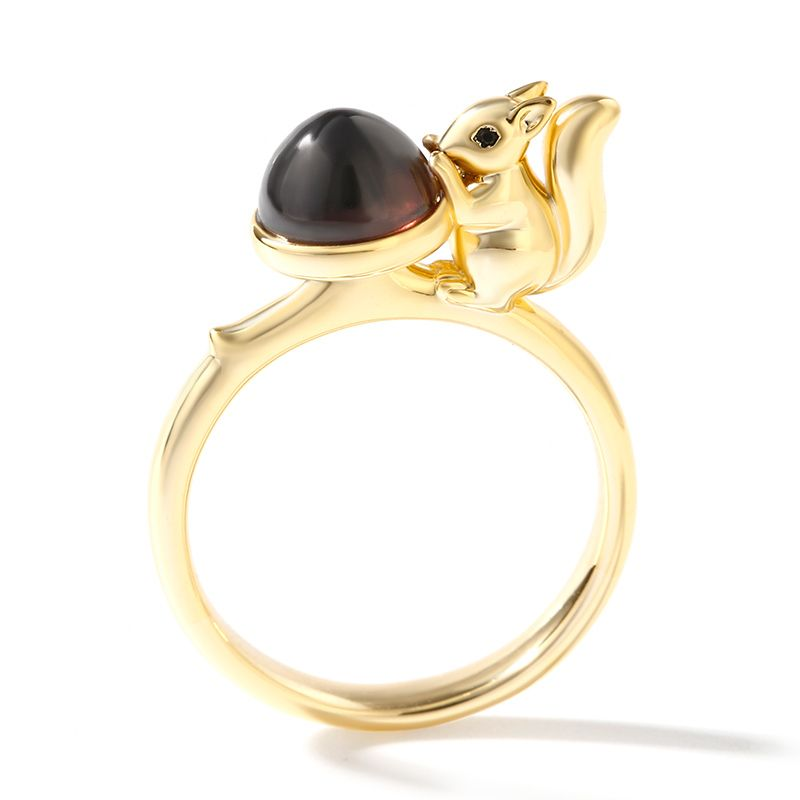 Jeulia Hug Me collection squirrel ring